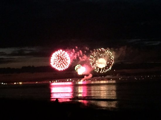 Mackinaw Mill Creek Campground: Great View of Mackinaw City Fireworks without the Traffic Jam!