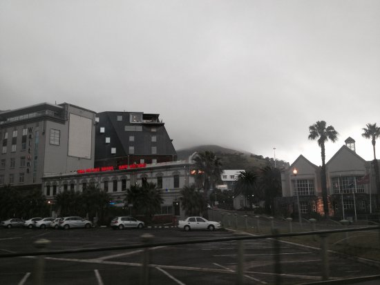 City Lodge Hotel V&A Waterfront: View across the street of hotel