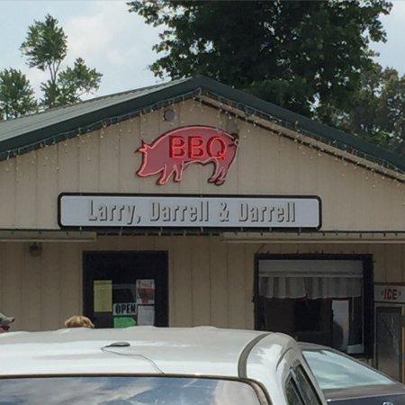 Larry Darrell & Darrell Bar-B-Que