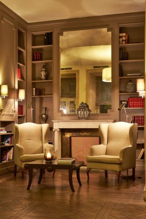 Sina Villa Medici: Lounge Bar - Library