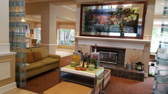 Hilton Garden Inn Plymouth: 20160707_184259_large.jpg
