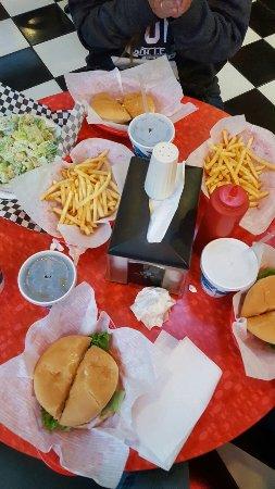 BeeBop's Burgers