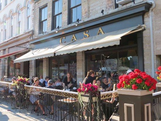 Kingston Food Guide: 10 Must-Eat Restaurants & Street Food Stalls in Kingston