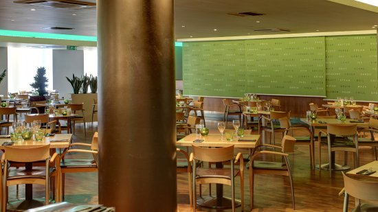 Holiday Inn - Coventry M6, Junction 2: Family Dining