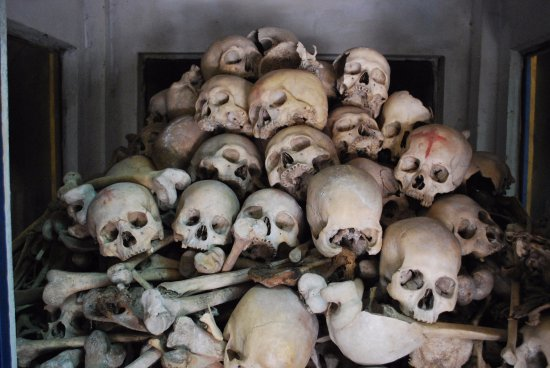 Phnom Sampeau: Victims of the Khmer Rouge