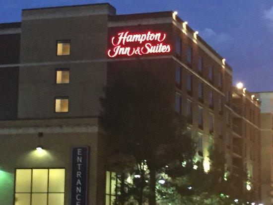 Hampton Inn & Suites Nashville - Downtown: Close to it all