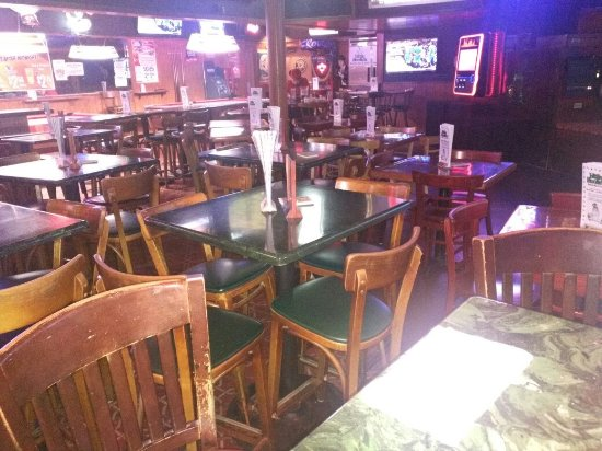 Little Hoolie's Sports Bar and Grille