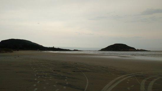 Praia da Vila: Ponta esquerda da praia