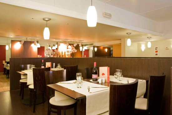 La Courneuve, Frankrig: Restaurant