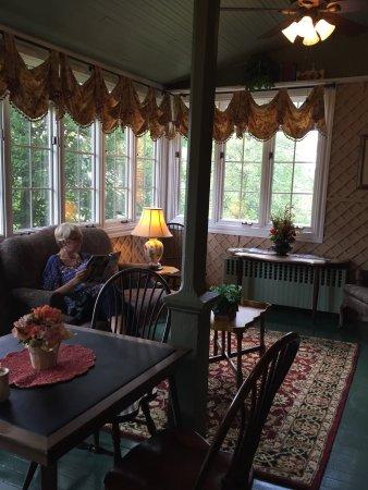 Bird-In-Hand Village Inn & Suites: photo6.jpg