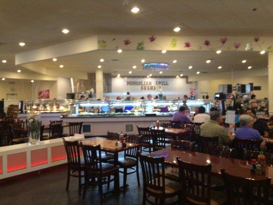 Auburn, WA: Huge restaurant