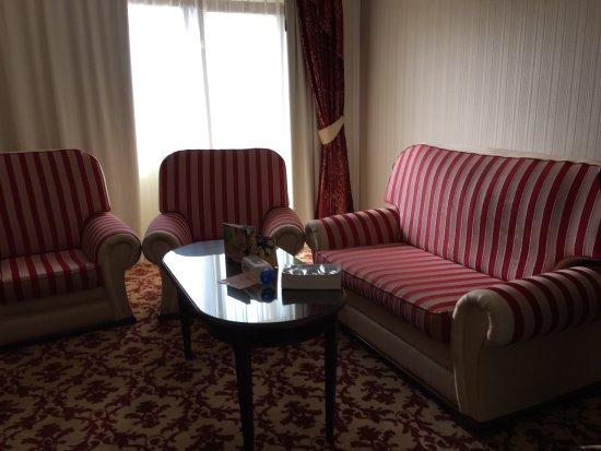 Hilton Sibiu: Inside a suite