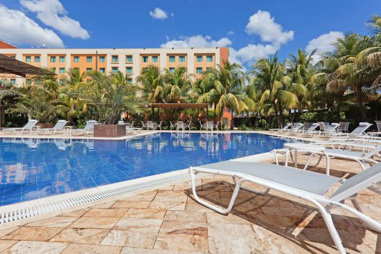 Holiday Inn Managua - Convention Center : Swimming Pool