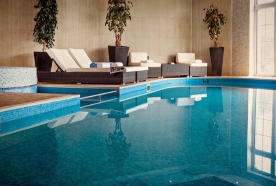 Indoor swimming pool picture of balmer lawn - Hotels in brockenhurst with swimming pools ...
