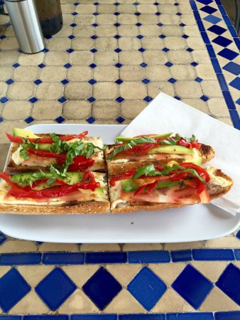 Top Carrot : Best sandwiches and amazing bread!