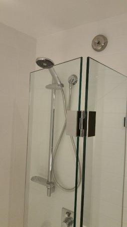 Perfect Crown Promenade Perth: Combination Shower/Bathtub With Clothesline U0026 Hand  Held Shower.