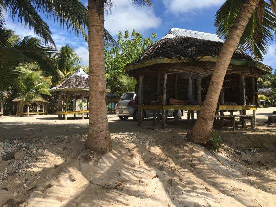 Tanu Beach Fales: photo2.jpg