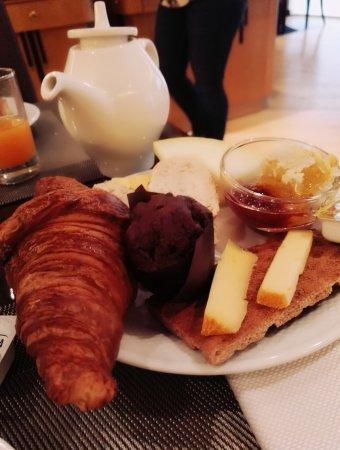 Le Chatelain Hotel: Breakfast