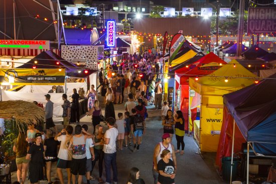 ‪‪Helensvale‬, أستراليا: NightQuarter Night Market‬