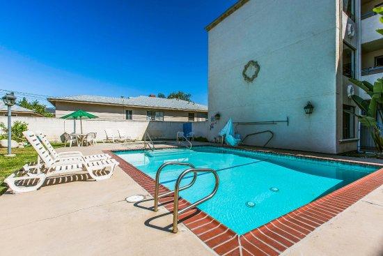 Azusa, كاليفورنيا: Pool