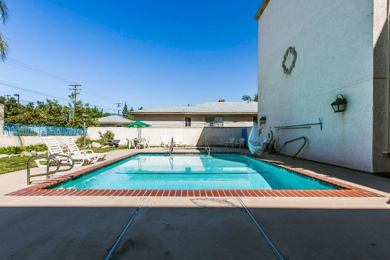 Azusa, Калифорния: Pool