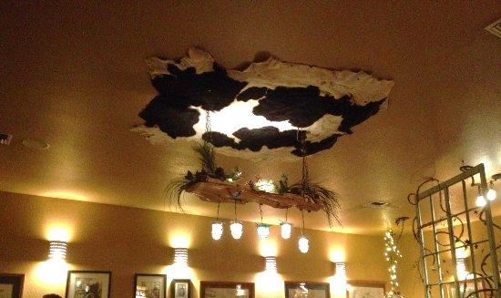 Prineville, OR: Interesting ceiling decor