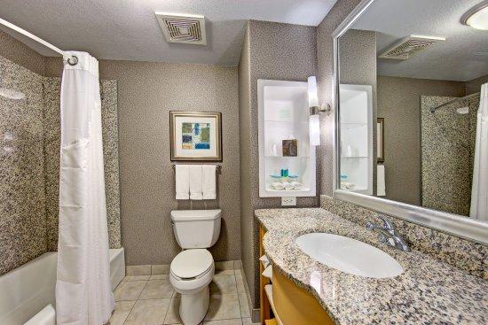 Hutto, TX: Guest Bathroom
