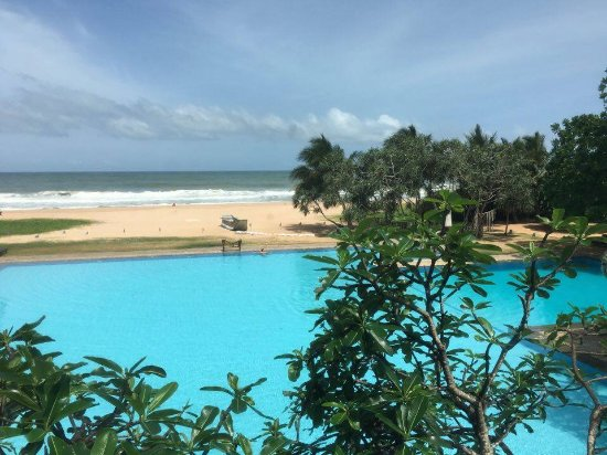 Heritance Ahungalla: Pool and Beach