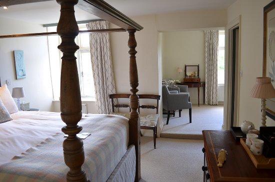 Skenfrith, UK: Whickham's Fancy Room at the Bell Inn