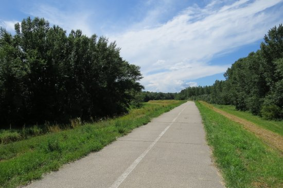 BikeBratislava: Bike path, no traffic.