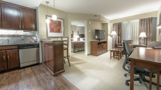 Staybridge Suites Wilmington East: Guest Room