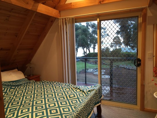 Taranna, Australia: View from the Queen bed room upstairs