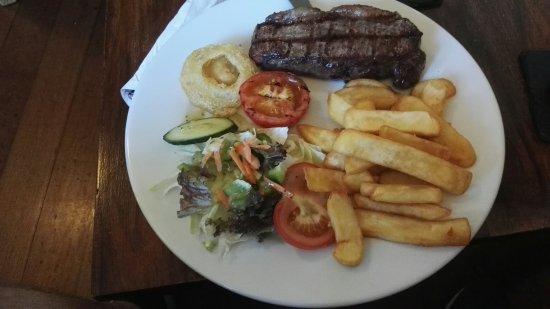 Falfield, UK: The Huntsman Inn Restaurant
