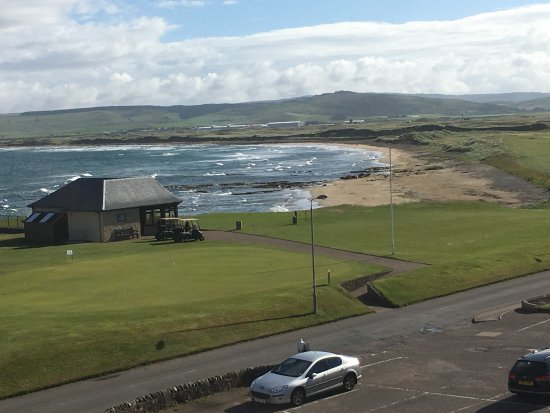 A view of the golf course and beach from Ugadale Hotel, Machrihanish.