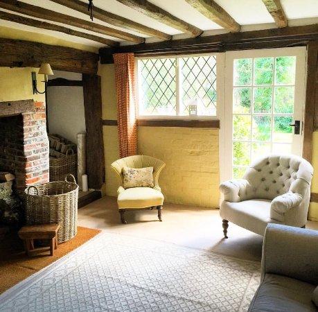 Chiddingfold, UK: The gorgeous living room