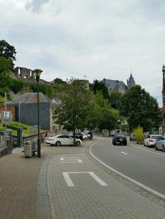 Rochefort, Belgique : Ruins of the Castle of the Counts