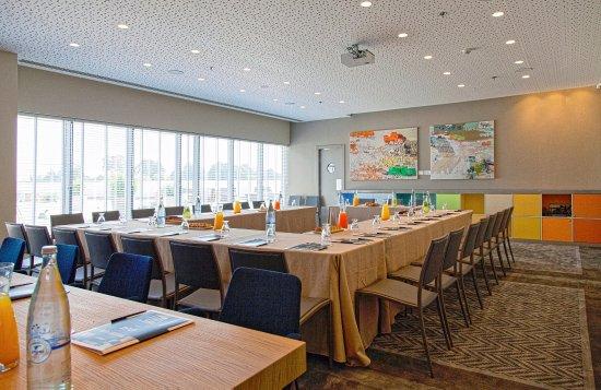 Sadot Hotel: Sadot Meeting Room