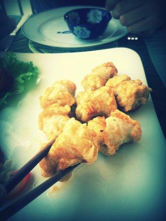 Hoi An Riverside Resort & Spa: Crab Spring Rolls