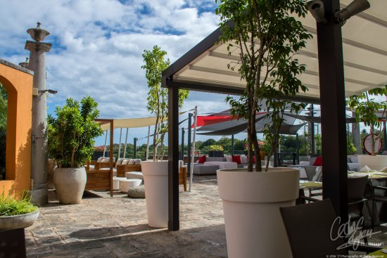 Terre Rouge: La Fourchette Restaurant