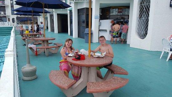 Bal Harbour Hotels: 20160704_124718_large.jpg