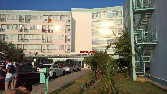 Hotel Pula: Hotel entrance