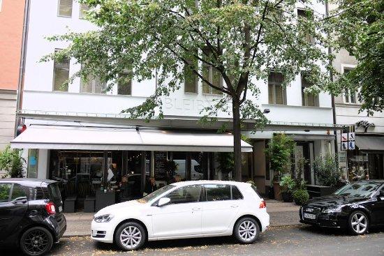 Bleibtreu Hotel : Hotel Bleibtreu von der anderen Straßenseite