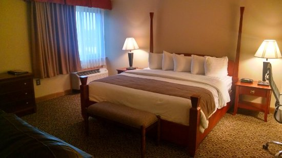 BEST WESTERN Wooster Hotel: Remodeled Executive Suite