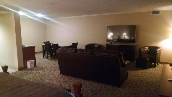 BEST WESTERN Wooster Hotel: Executive Suite 1