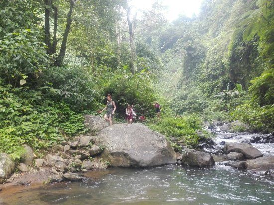 Mumbul Guesthouse: We have awesome pleace for hiking trips yesterday .