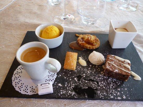 Image Café Gourmand le café gourmand du menu - picture of le homard bleu, le treport