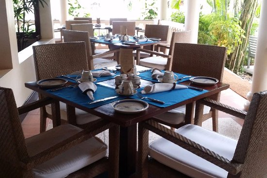 Pavilion: 로맨틱한 테이블 셋팅