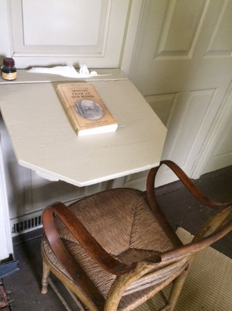 The Old Manse : Hawthorne's Writing Desk