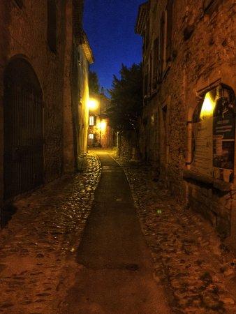 L'Evêché : The street at night!