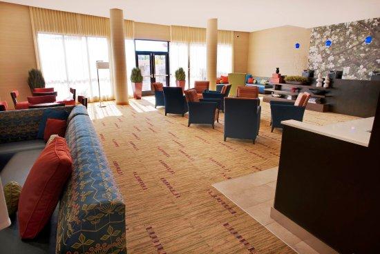 Courtyard Warner Robins: Second Lobby